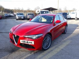 Alfa Romeo Giulia SUPER 2.0 Turbo 200KM AT8 RWD automat